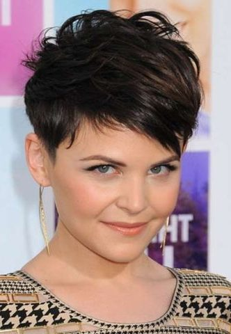 Edgy pixie cuts for round faces