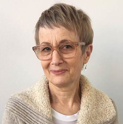 Gray pixie cuts for older ladies with glasses