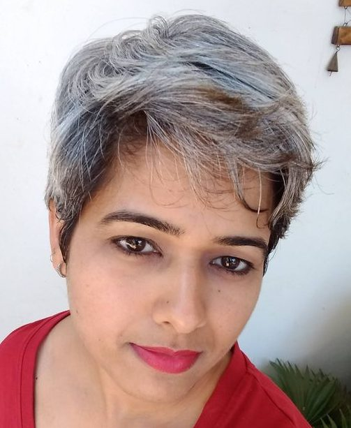 Old woman short grey hairstyles